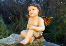 wunderschöne Figur sitzender Engel Putto 24 cm Keramik