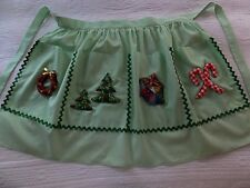 VINTAGE CHRISTMAS DINNER PARTY TREES CANDY CANES GIFTS WREATH POCKETS APRON
