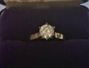 Genuine 18ct gold handmade diamond (.90Ct) solitaire ring