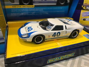 SCALEXTRIC SPORT FORD GT40 1966 WHITE CAR No 40 LImited Edition Only 2000 BNID