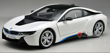 1:18 Dealer Edition 2014 BMW i8 Die Cast Model White