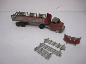 """Vtg Hubley Die Cast Iron Semi Truck & Flatbed Stake Trailer Toy Red 19"""" As Is"""
