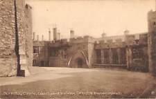 uk20750 berkeley castle courtyard dungeon walls real photo uk