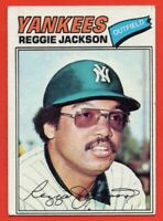 1977 Topps #10 Reggie Jackson EX-EX+ New York Yankees Hall of Fame FREE SHIPPING
