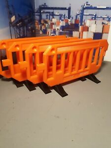 1/14 Road Barriers x4