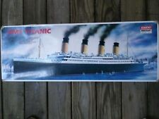 """RMS TITANIC Academy Minicraft 1/350th Scale Model Kit #1405 Length 30.24"""""""