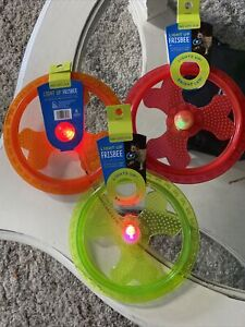 """1 Light Up Frisbee Extended Play Time Into Night Time """"Choose Color """" G7)"""