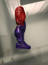 Marvel Legends Red Skull Onslaught BAF Right Leg - Sharon Carter