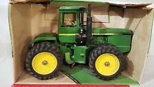 Ertl John Deere 8650 1/16 diecast farm tractor replica collectible
