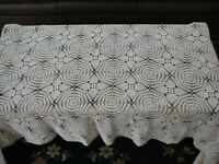 """Vintage Off White Pineapple Crochet Large Rectangular Tablecloth 48"""" x 78"""""""