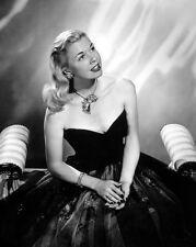 Doris Day UNSIGNED photo - C557 - GORGEOUS!!!!!