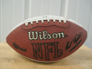 WILSON NFL 1995 WASHINGTON REDSKINS AUTOGRAPHED FOOTBALL DARRELL GREEN 21 PLAYER