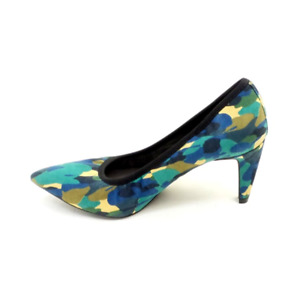 Lori Goldstein Collection Novelty Pumps Camo
