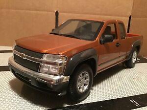Chevy Colorado pickup truck z 71 brown. 1 /18 maisto 2004. loose