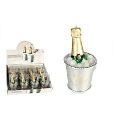 Bougie décorative en forme d'une bouteille de champagne dans un seau rempli de g