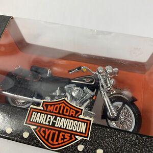 VTG Harley Davidson 95th Anniversary 1:18 Scale FLSTS Heritage Springer Model