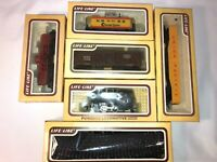 HO Scale LOT Cars Track Caboose Engine LifeLike Railroad, 5 Cars 1 Track Set NEW