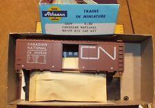 Canadian National 40' Box Car  NIB   Athearn