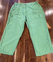 L.L. Bean Womens Nylon Capri Cropped Pants Green Multiple Pockets Size L-Reg