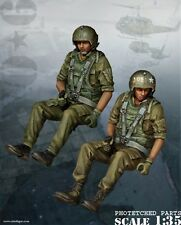 BRAVO-6 35073 U.S. HELICOPTER CREW Nam 1/35 RESIN FIG.