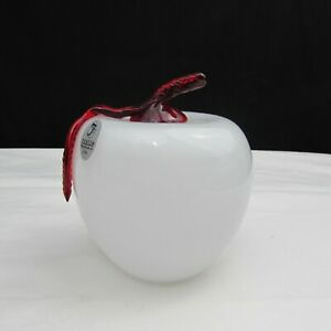Fenton Dave Fetty White with Red Stem Hand Blown Apple Paperweight 2003 C1508