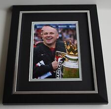 Mike Phelan SIGNED 10X8 FRAMED Photo Autograph Display Manchester United & COA