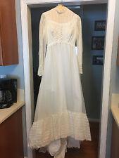 Vintage Wedding Dress ~ Size 8 ~ White ~ 1973