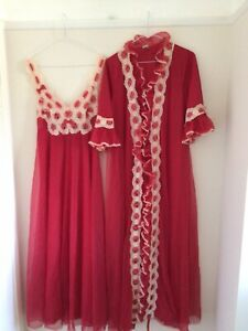 """Saxon Lingerie. Negligee & Robe Ruby Red Approx 30"""" Chest Small Long Vintage"""