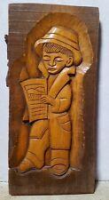 sculpture sur bois - Citadin Croate lisant son journal 45cm x 22cm Dubrovnik