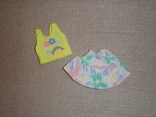 Vintage Barbie - 1980/1990's Skipper Outfit - Yellow Top with Skirt - Mint