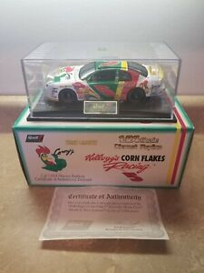1998 Terry Labonte Corn Flakes #5 REVELL Collection Club 1:24 DIECAST
