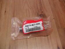 NEW HONDA CB1300 CB900 HORNET 900 CB900F OIL COOLER FILTER BOLT 90019-MCT-000