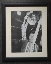 """ARNOLD MUHREN - MANCHESTER UNITED & HOLLAND SIGNED MOUNTED DISPLAY 10"""" x 8"""""""