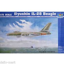 Trumpeter 1/72 01604 Ilyushin IL-28 Beagle Model Kit