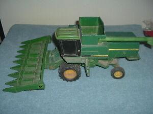 ERTL 1/16 John Deere 6620 Combine w/ Corn Head To Restore.......NR