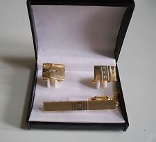 Men's Gold Finish 2 Different Pattern Cuff Links With Tie Pin
