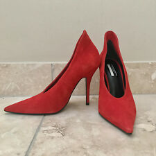 NEW Topshop Gizzelle V Cut Pointed Toe Suede Red Heels Shoes 6,5