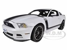2013 FORD MUSTANG BOSS 302 WHITE 1/18 MODEL CAR SHELBY COLLECTIBLES SC452