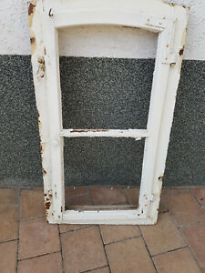 altes Holzfenster mit Rahmen 49 x 100