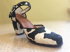 Just The Right Shoe ~ Bovine Bliss No. 25036