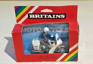 Vintage Britains Police Patrolman on Norton Motorcycle 9673 Boxed