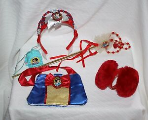 The Disney Store Snow White 5 pc Princess Accessory Tiara Necklace Purse Costume