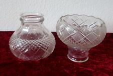 2 Glas Lampenschirme mit strukturiertem Dekor, ca. 12 cm
