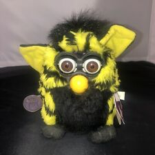 Vintage 90s Yellow / Black Furby Bumble-Bee 1998 Model 70-800 Tiger Electronics