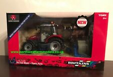 BRITAINS MASSEY FERGUSON 5612 4WD TRACTOR BALE LIFTER & ANIMAL SET 1/32 43205