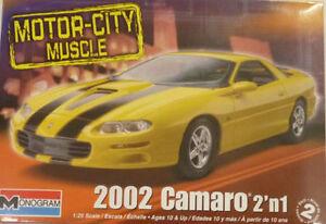 revell #4273 2002 Camaro 2n1 1/25 MODEL KIT new in the box