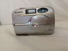 Fujifilm FinePix 2600 Zoom 2.0 MP Digital Camera TESTED WORKING camera only