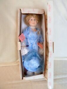 Show Stoppers Queen Mother Doll with hat and stand, NRFB