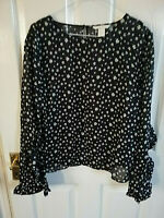 H&M WOMENS BLACK FLORAL THIN BLOUSE SIZE 10 PIT - PIT 19 LENGTH 24 FRILLY SLEEVE