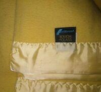 Vintage Acrylic Blanket Satin Trim Gold Fieldcrest Touch of Class Full 80 x 88